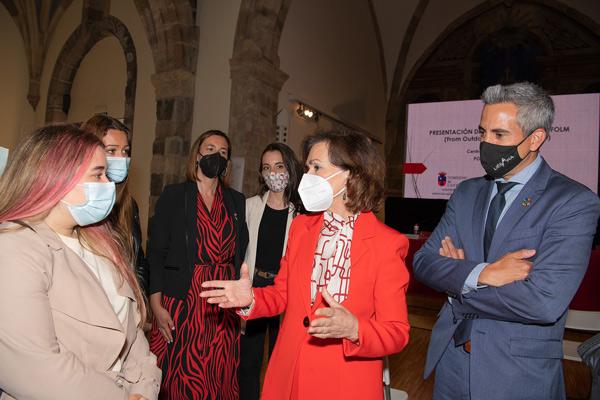 Carmen Calvo visita el proyecto Folm en Cantabria