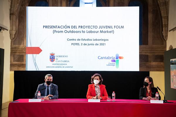 Mesa presidencial presentación FOLM Cantabria